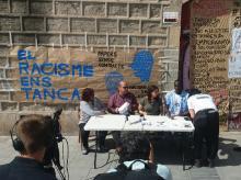 Tancada 'El racisme ens tanca'