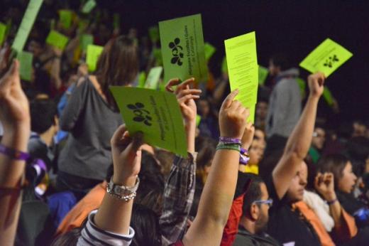 assemblea, votació, vots, mans, paperetes, participació, democràcia, associacionisme