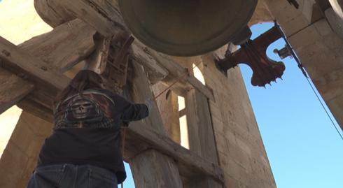 Les campanes de la Prioral repiquen per la pau - Minyons